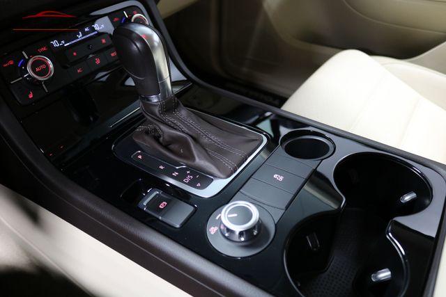 2013 Volkswagen Touareg Sport w/Nav Merrillville, Indiana 22