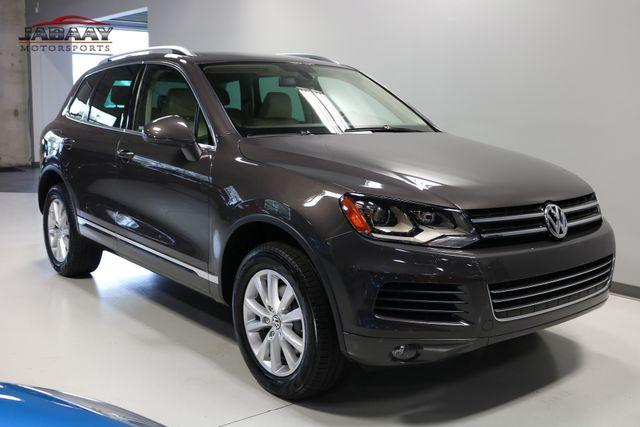 2013 Volkswagen Touareg Sport w/Nav Merrillville, Indiana 6