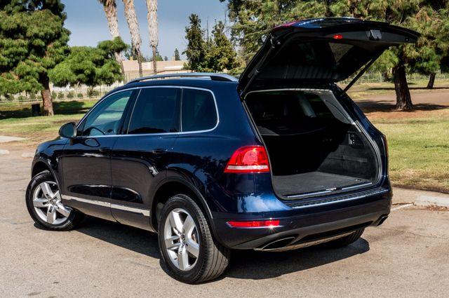2013 Volkswagen Touareg Lux - Navi - Rear View Camera - Xenon Reseda, CA 9
