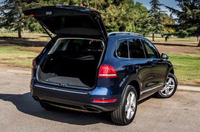 2013 Volkswagen Touareg Lux - Navi - Rear View Camera - Xenon Reseda, CA 10