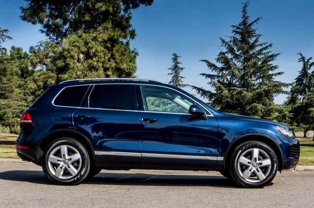 2013 Volkswagen Touareg Lux - Navi - Rear View Camera - Xenon Reseda, CA 5