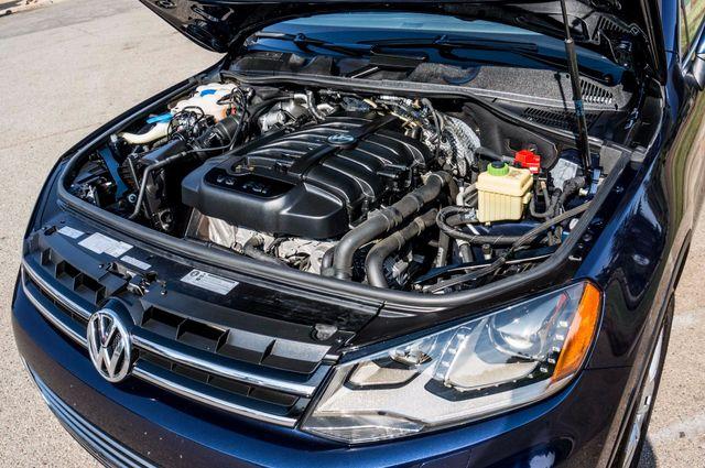 2013 Volkswagen Touareg Lux - Navi - Rear View Camera - Xenon Reseda, CA 41