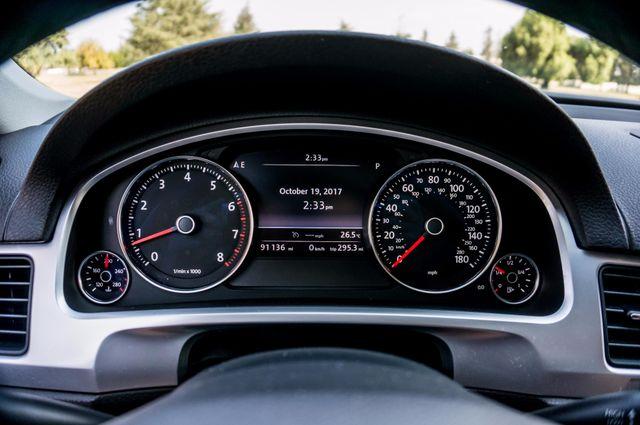 2013 Volkswagen Touareg Lux - Navi - Rear View Camera - Xenon Reseda, CA 13