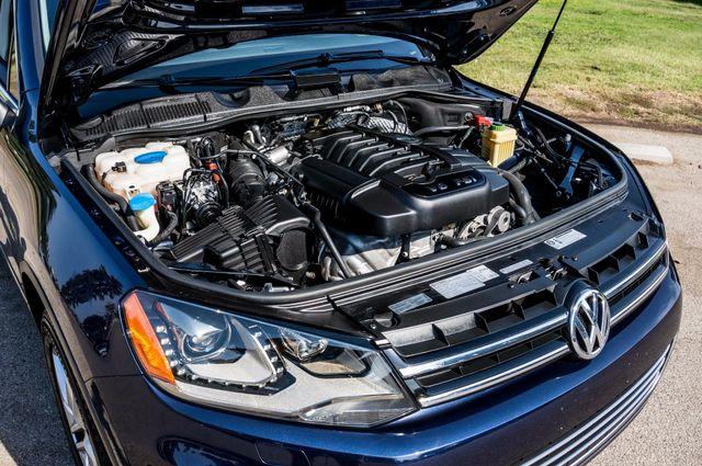 2013 Volkswagen Touareg Lux - Navi - Rear View Camera - Xenon Reseda, CA 42