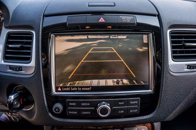 2013 Volkswagen Touareg Lux - Navi - Rear View Camera - Xenon Reseda, CA 26