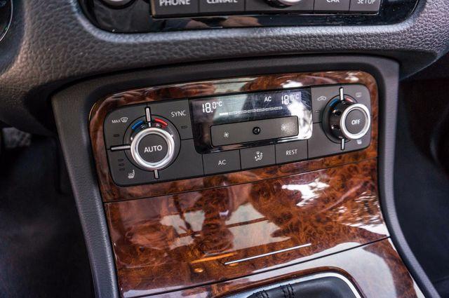 2013 Volkswagen Touareg Lux - Navi - Rear View Camera - Xenon Reseda, CA 29