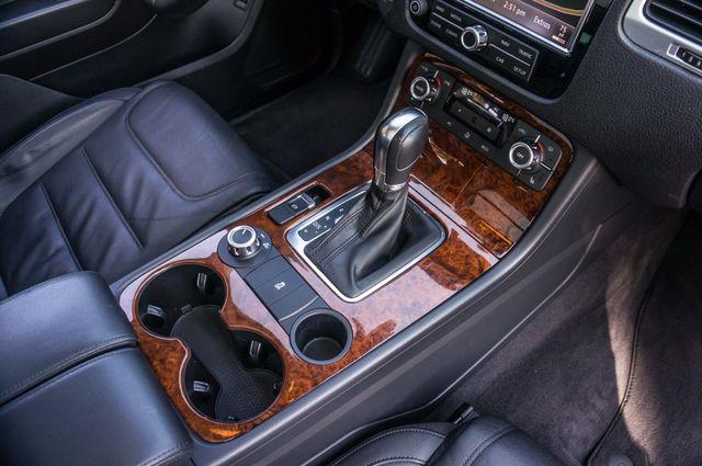 2013 Volkswagen Touareg Lux - Navi - Rear View Camera - Xenon Reseda, CA 30