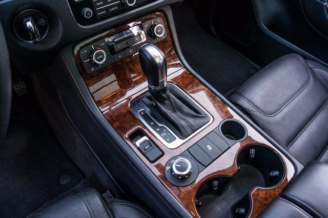 2013 Volkswagen Touareg Lux - Navi - Rear View Camera - Xenon Reseda, CA 31