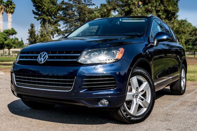 2013 Volkswagen Touareg Lux - Navi - Rear View Camera - Xenon Reseda, CA 44