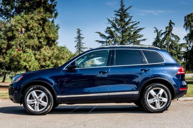 2013 Volkswagen Touareg Lux - Navi - Rear View Camera - Xenon Reseda, CA 4