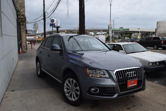2014 Audi Q5 Premium Richmond Hill, New York 1