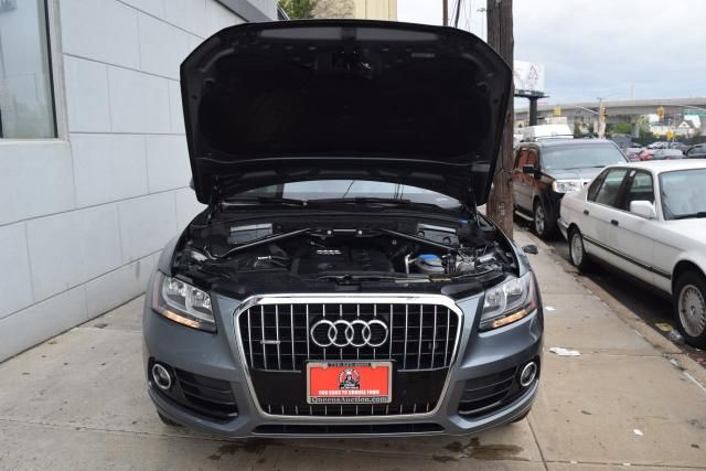 2014 Audi Q5 Premium Richmond Hill, New York 3