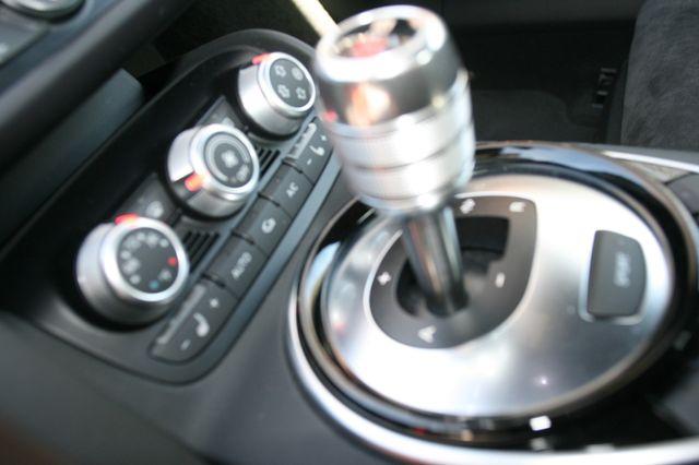 2014 Audi R8 Coupe V8 Houston, Texas 15