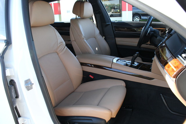 2014 BMW 750Li M Sport Mooresville , NC 38