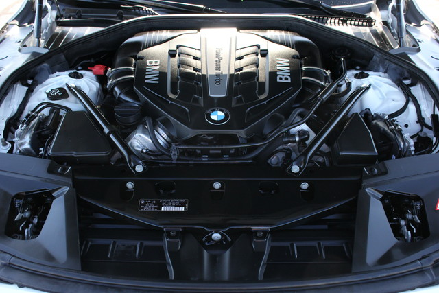 2014 BMW 750Li M Sport Mooresville , NC 40