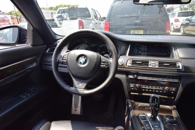 2014 BMW 750Li xDrive 4dr Sdn 750Li xDrive AWD Richmond Hill, New York 8