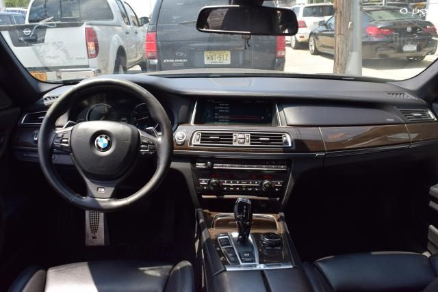 2014 BMW 750Li xDrive 4dr Sdn 750Li xDrive AWD Richmond Hill, New York 9