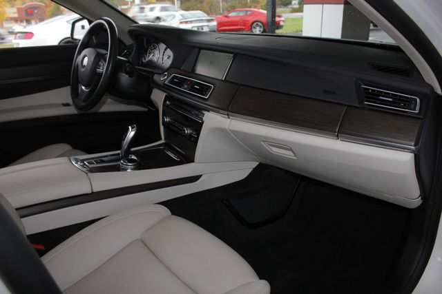 2014 BMW ActiveHybrid 7 L RWD - EXECUTIVE PKG - VERY RARE! Mooresville , NC 32
