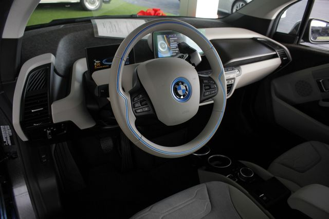 2014 BMW i3 RWD - TECHNOLOGY & DRIVING ASSISTANT PKG! Mooresville , NC 26
