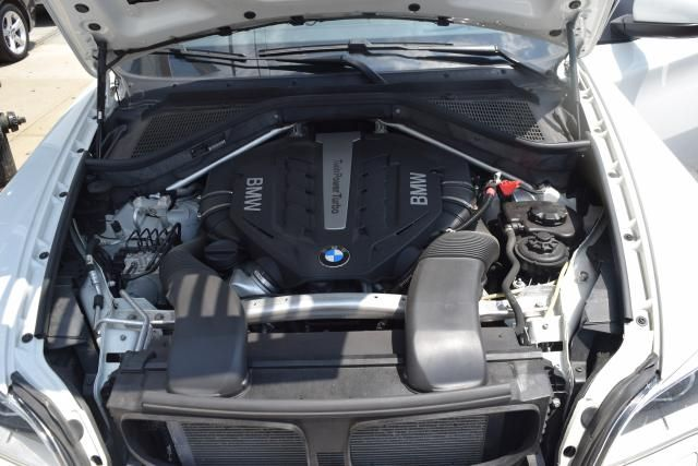 2014 BMW X6 xDrive 50i xDrive50i Richmond Hill, New York 25