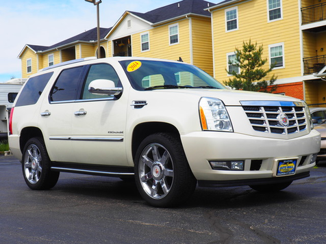 2014 Cadillac Escalade Luxury | Champaign, Illinois | The Auto Mall of Champaign in Champaign, Illinois