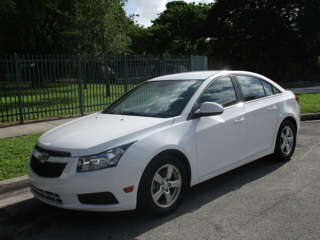 2014 Chevrolet Cruze 1LT Come and visit us at oceanautosalescom for our expanded inventoryThis o