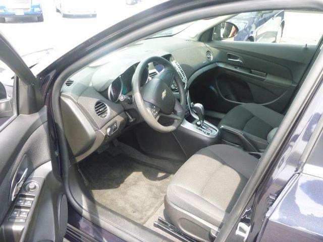 2014 Chevrolet Cruze LT Richmond, Virginia 8