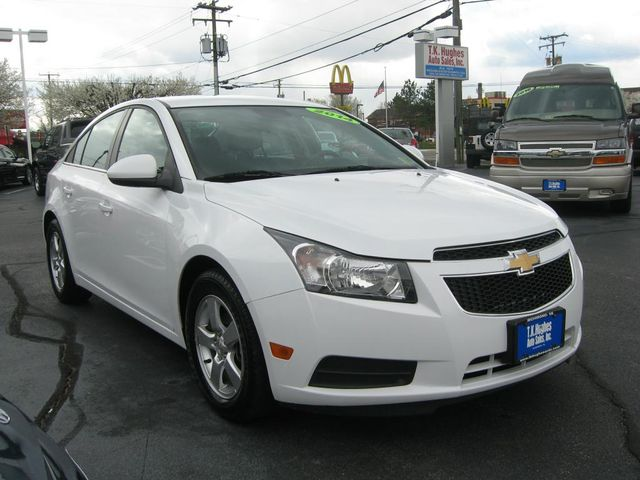 2014 Chevrolet Cruze LT Richmond, Virginia 3