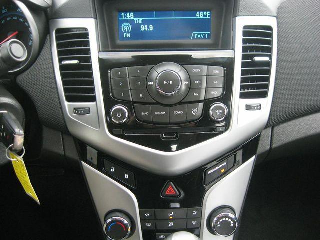 2014 Chevrolet Cruze LT Richmond, Virginia 9