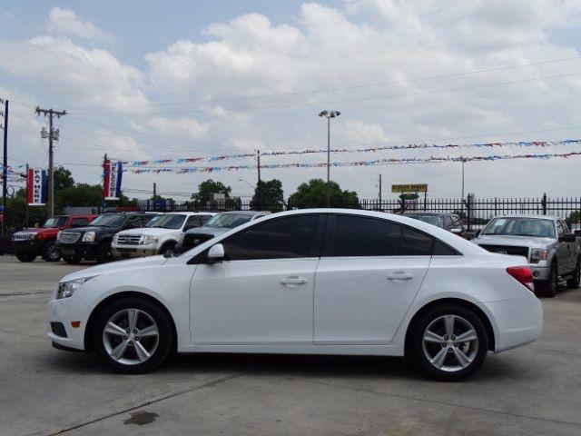 2014 Chevrolet Cruze 2LT San Antonio , Texas 3