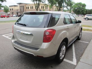 2014 Chevrolet Equinox LS Farmington, Minnesota 1