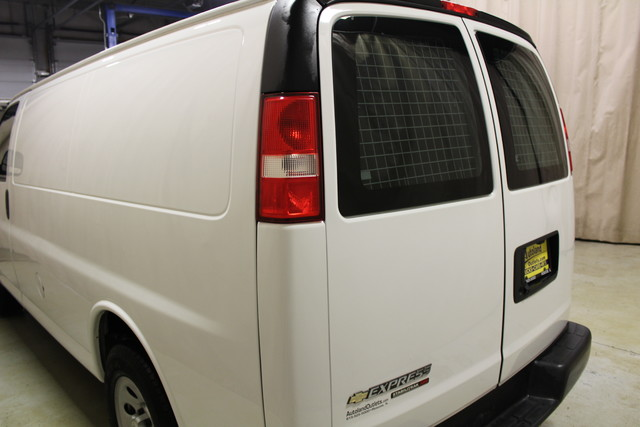 2014 Chevrolet Express Cargo Van AWD AWD Roscoe, Illinois 5