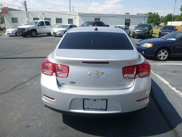 2014 Chevrolet Malibu LS Richmond, Virginia 4