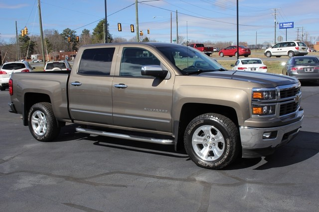 2014 Chevrolet Silverado 1500 LTZ Crew Cab 4X4 Z71 - HEATED LEATHER! Mooresville , NC 20