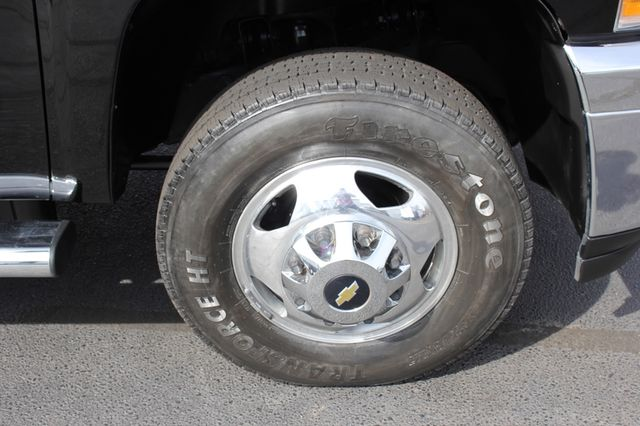 2014 Chevrolet Silverado 3500HD LTZ PLUS Crew Cab Long Bed 4x4 - NAVIGATION! Mooresville , NC 34