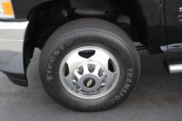 2014 Chevrolet Silverado 3500HD LTZ PLUS Crew Cab Long Bed 4x4 - NAVIGATION! Mooresville , NC 37