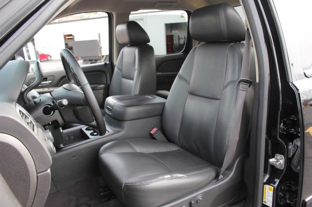 2014 Chevrolet Silverado 3500HD LTZ PLUS Crew Cab Long Bed 4x4 - NAVIGATION! Mooresville , NC 5
