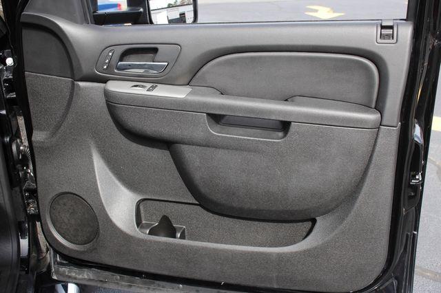 2014 Chevrolet Silverado 3500HD LTZ PLUS Crew Cab Long Bed 4x4 - NAVIGATION! Mooresville , NC 56