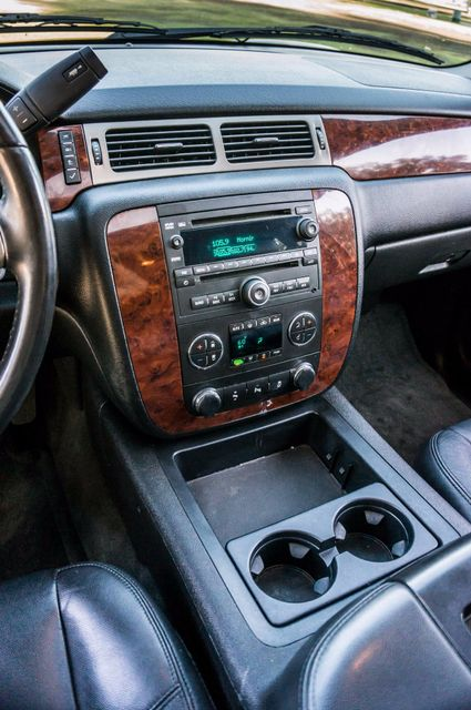 2014 Chevrolet Suburban LT Reseda, CA 25