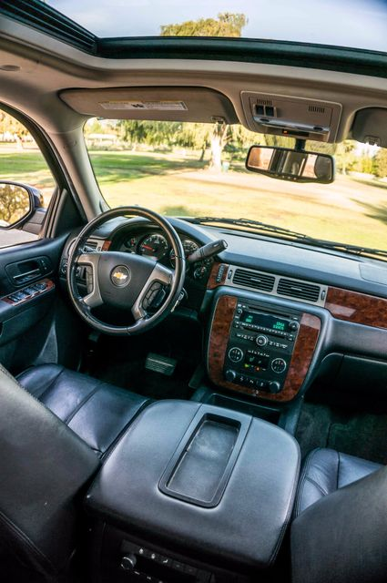 2014 Chevrolet Suburban LT Reseda, CA 38