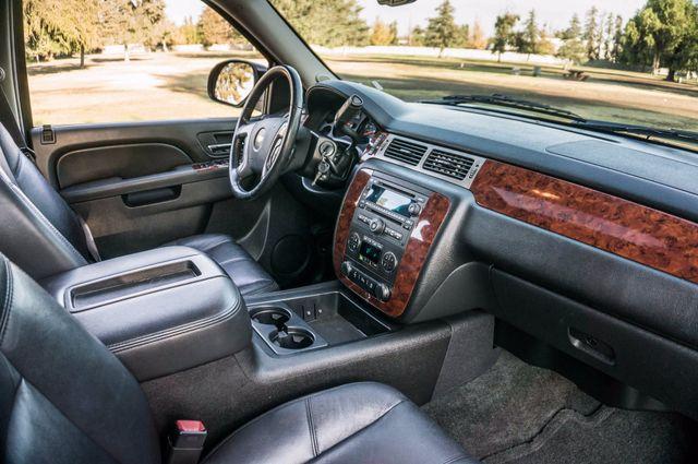 2014 Chevrolet Suburban LT Reseda, CA 34