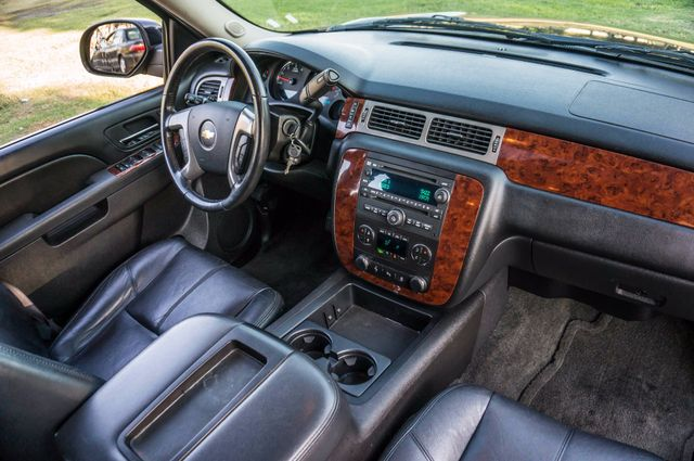 2014 Chevrolet Suburban LT Reseda, CA 35