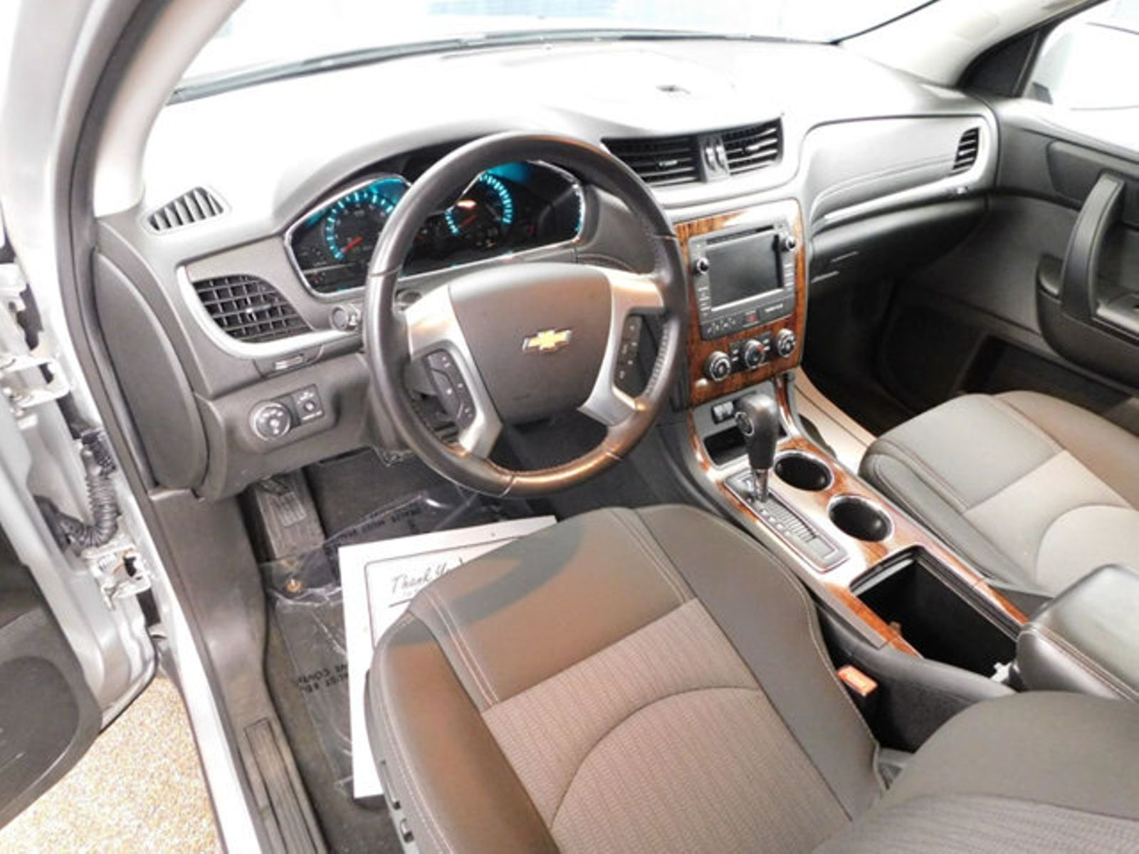 review automobiles video com chevrolet nytimes driven autoreviews chevy traverse superjumbo