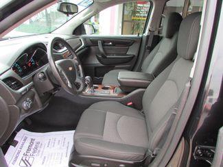 2014 Chevrolet Traverse LT Fremont, Ohio 6