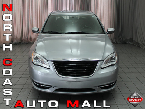 2014 Chrysler 200 LX in Akron, OH