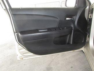 2014 Chrysler 200 Touring Gardena, California 9