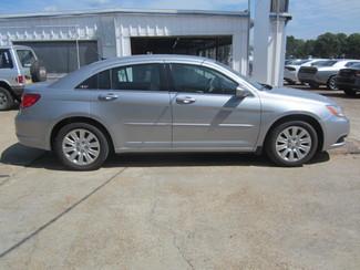 2014 Chrysler 200 LX Houston, Mississippi 3