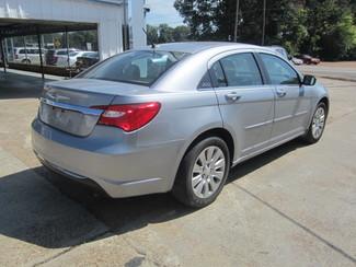 2014 Chrysler 200 LX Houston, Mississippi 4