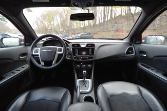 2014 Chrysler 200 Limited Naugatuck, Connecticut 13