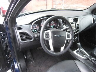 2014 Chrysler 200 Limited New Brunswick, New Jersey 11